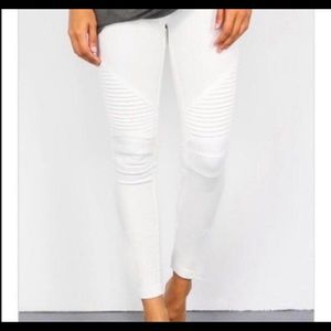 Pants - NWT white moto ankle jeggings